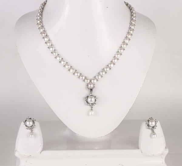 Simple Button Pearl Set (Silver Base)