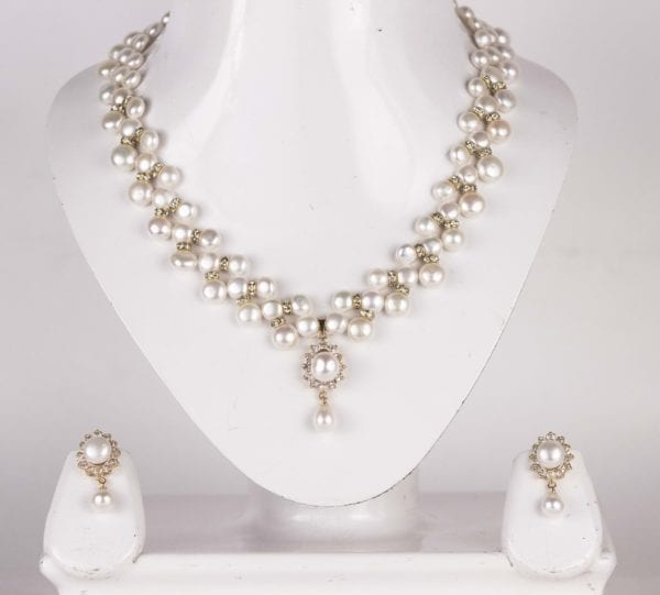 3 Line Zigzag Button Pearl Necklace Set (Golden Base)
