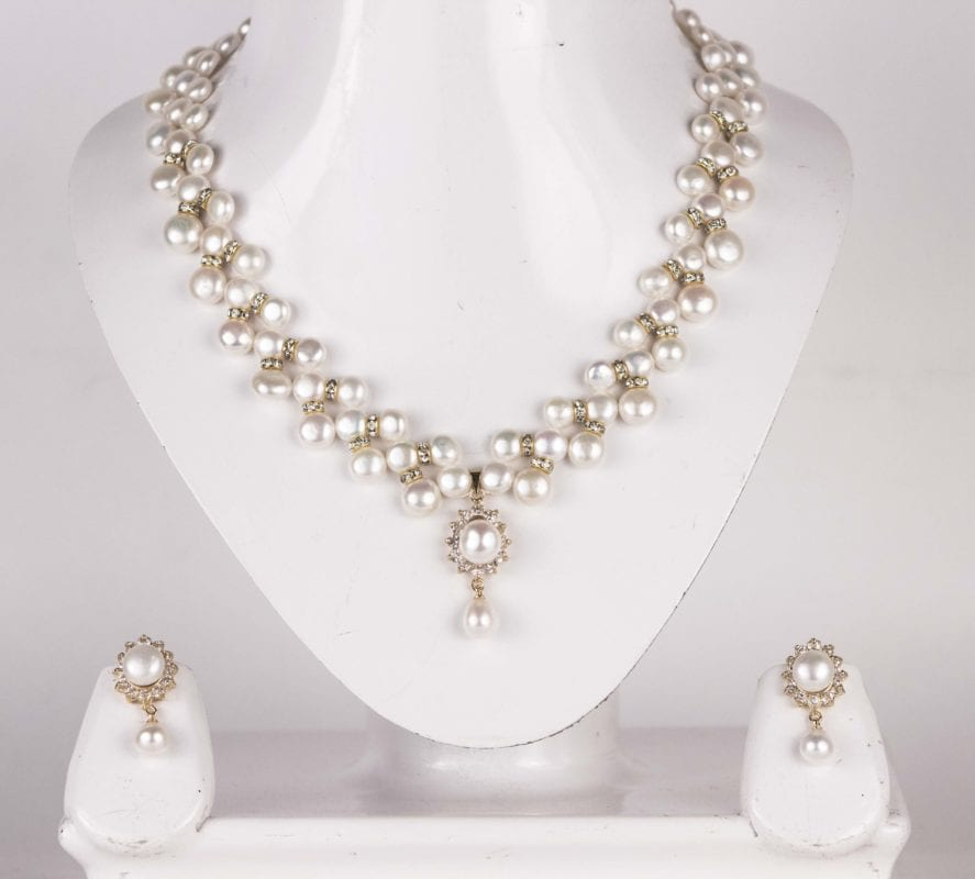 3 Line Zigzag Button Pearl Necklace Set Golden Base